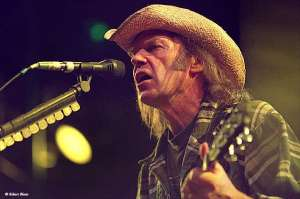 neil_young-02